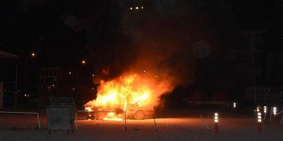 Keçiören'de korkutan otomobil yangını