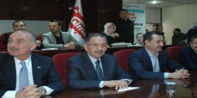 Mehmet Özhaseki ve Veysel Tiryaki GİMAT'ta esnafla buluştu