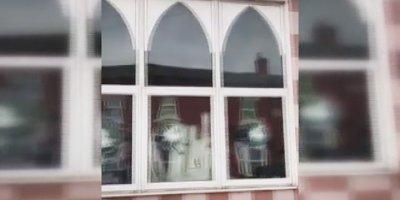 İngiltere'de 5 camiye çirkin saldırı