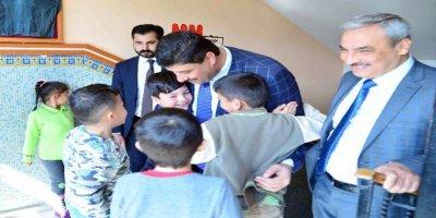 Kahramankazan Belediye Başkanı Serhat Oğuz'un ilk durağı ilkokul oldu