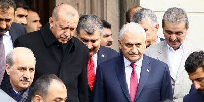 Erdoğan ve Yıldırım birlikte namaz kıldı