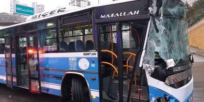 Özel Halk Otobüsü kaza yaptı: 10 yaralı