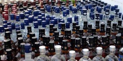 Gölbaşı'nda bin 131 şişe sahte içki yakalandı