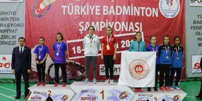Badmintonda şampiyonlar belli oldu