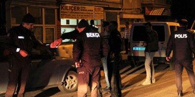 Ankara'da gece yarısı pompalı ile emlakçı dükkanı kurşunlandı