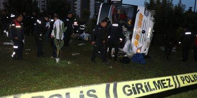 Adana'da feci otobüs kazası: 2 ölü