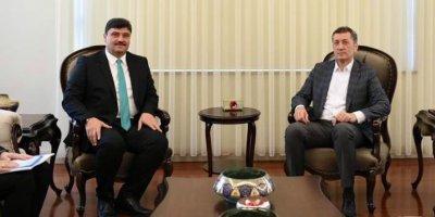 Başkan Oğuz'dan Bakan Selçuk'a ziyaret