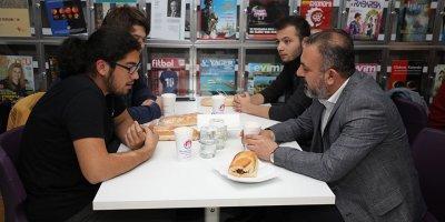Başkan Ercan iftarda gençlerle bir araya geldi