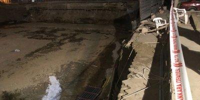 Ankara'da çöken bariyerler doğalgaz borusunu patlattı