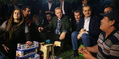 Cumhurbaşkanı Erdoğan, vatandaşlarla çay içti