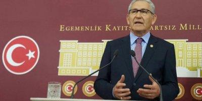 Bakan Koca'dan, CHP'li vekilin ailesine başsağlığı