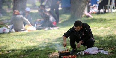 Ankaralılar parklara akın etti