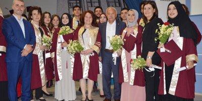 Çavuşculu, öğrencilerin mezuniyet sevincine ortak oldu