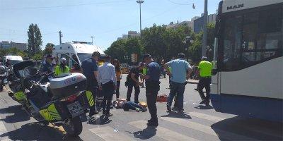 Başkentte EGO otobüsü yayalara çarptı: 2 yaralı