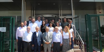 """Yüksek İhtisas Üniversitesi'nde """"40 Fikir Bi Fayda"""" buluşması"""