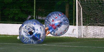 Ankaralıların balon futbolu eğlencesi