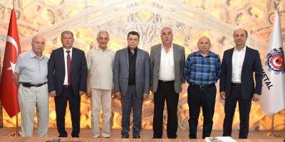 Keskinliler Derneği'nden Pevrul Kavlak'a ziyaret