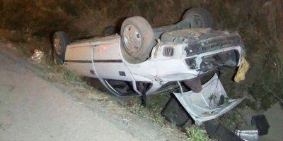 Kırıkkale'de otomobil takla atıp su kanalına düştü