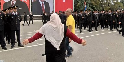 Yüzlerce asker arasında Ali'sini aradı