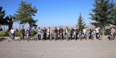 """Gazi üniversitesi tarafından """"Bisikletli Oryantiring"""" etkinliği"""