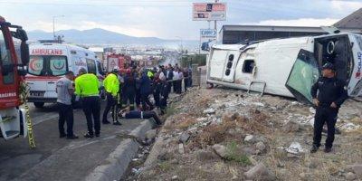 Kayseri'de işçi servisi takla attı: 23 yaralı