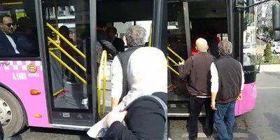 Otobüs şoförü ve yolcu birbirine girdi