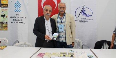 Altın'ın şiir kitapları ATO'da görücüye çıktı