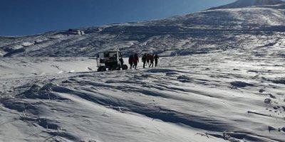 33'üncü saatte kayıp dağcılara ait kafa ışığı bulundu