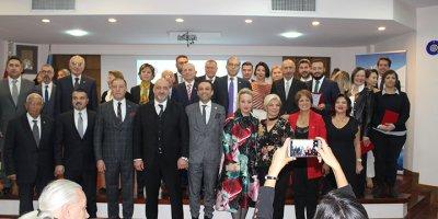 """TÜSİAV """"Eğitimin Çınarları""""nı ödüllendirdi"""