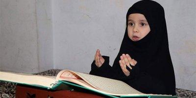Suriyeli kız 4,5 yaşında hafız oldu