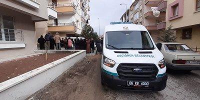 3. kattan düşen yaşlı kadın hayatını kaybetti
