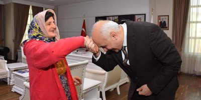 Kezban Teyze'den Başkan Acar'a Ziyaret