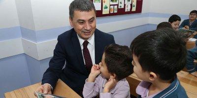 Başkan Şimşek'ten öğrencilere karne hediyesi