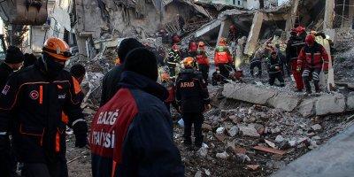Elazığ'da arama kurtarma çalışmalarında 36. saat