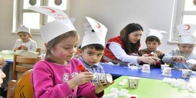Minik öğrencilerden Kızılay'a destek