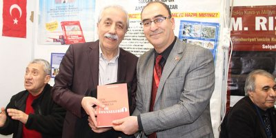 Selçuk Silsüpür Ankaralı kitapseverlerle buluştu