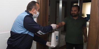Akyurt'ta el dezenfektanı dağıtıldı