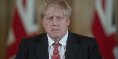 İngiltere Başbakanı Johnson hastaneye kaldırıldı
