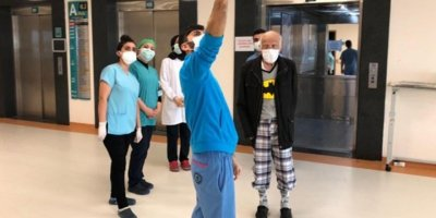 90 yaşındaki Yusuf dede Koronavirüsü yendi