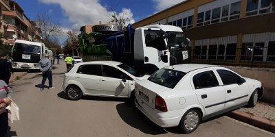 Başkent'te vidanjör 6 otomobili biçti