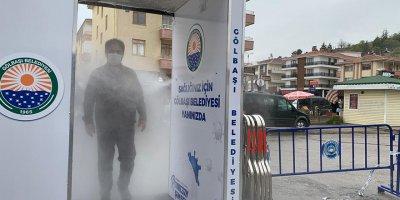 Gölbaşı Belediyesi pazarlar için dezenfektan kabini üretti
