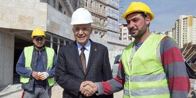 Başkan Yaşar, emekçilerin 1 Mayıs'ını kutladı