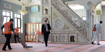 ''Abdestini Al Gel Camiler Açılıyor''