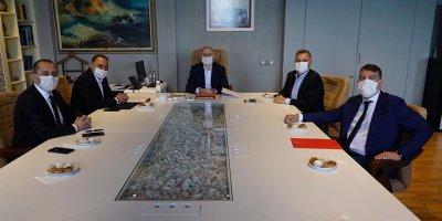 Karaismailoğlu, GSM operatörlerinin temsilcileriyle görüştü