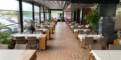 Restoranların oturma alanları yeniden hizmet vermeye başladı