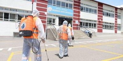 Okullarda sınav dezenfeksiyonu başladı