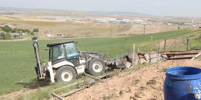 Vali Şahin'den kaçak yapıları yıkın talimatı