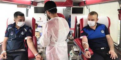 Sincan zabıtasından Kızılay'a kan bağışı