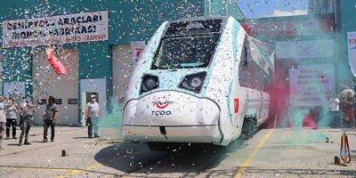 Yerli ve milli tren raylara iniyor