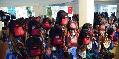 TİKA Bangladeşli sokak çocuklarını unutmadı